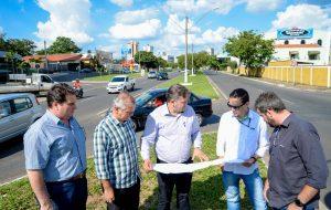 Avenida Tancredo Neves terá  semáforo e novo paisagismo