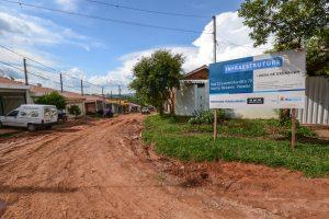 Prefeitura inicia obras de drenagem e pavimentação no Recanto Paraíso