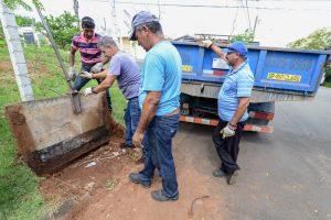 Prefeitura intensifica limpeza de bocas de lobo