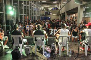 Samba ao vivo atrai grande público no Centro Cultural
