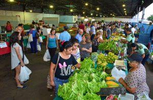 Feira Corujão é opção de compras nesta sexta-feira em Rio Claro