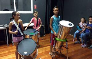 Banda dos Ferroviários de Rio Claro oferece oficina de percussão afro