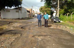 Prefeito busca recursos em Brasília para asfalto e recapeamento
