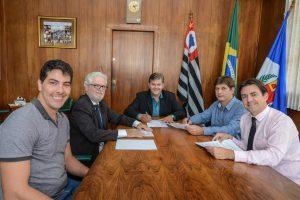 Prefeitura e Unesp renovam parceria para projetos e ações no município
