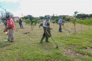 Prefeitura faz ações de limpeza  e manutenção no Santa Clara 2