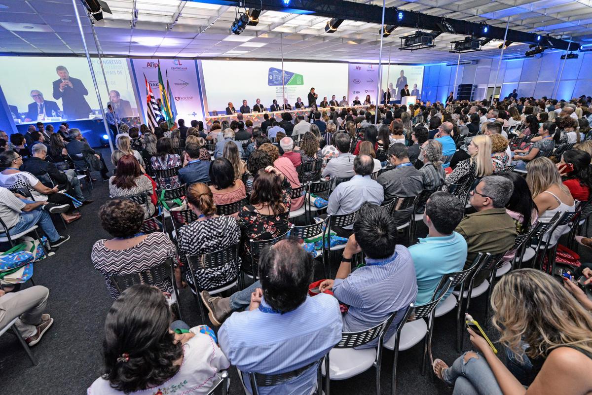 Congresso de Saúde supera expectativas e injeta R$ 3 milhões na economia de RC