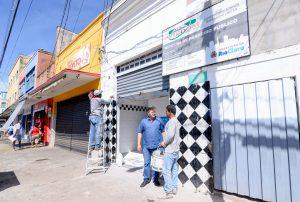 Construção de banheiros públicos na Rua 1 entra na reta final