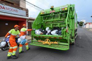 Coleta de lixo será normal na segunda e terça-feira em RC