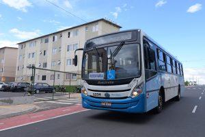 Por economia de combustível,  ônibus têm circulação reduzida