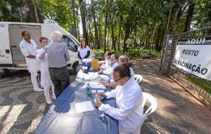 Unidade móvel para vacinação contra a gripe permanece no Jardim até o dia 30
