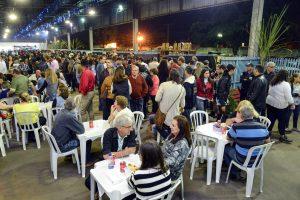 Brigadeiro de cachaça e paeja caipira são atrações de festa em Rio Claro