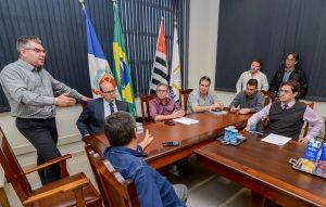 Prefeitura e vereadores discutem  como acelerar verbas para obras