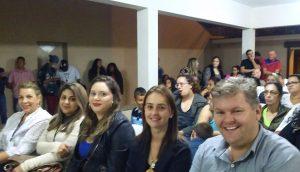 Jovens de projeto social concluem curso de capacitação