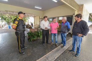 Prefeitura reforça segurança no cemitério com vigilantes armados