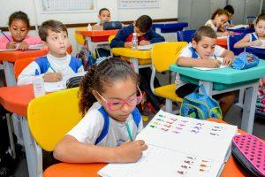 Escolas de Rio Claro recebem  alimentos que garantem merenda
