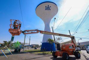 Daae faz pintura de quatro  reservatórios do município