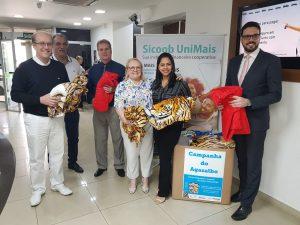 Sicoob UniMais doa agasalhos e cobertores ao Fundo Social