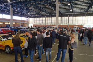 Público confere domingo a 28ª edição do Encontro de Veículos Antigos