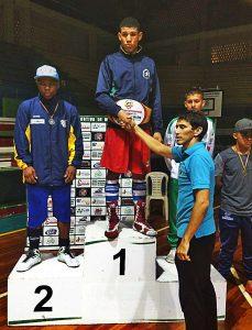 Atleta de Rio Claro conquista mais uma vitória em competição de boxe no Equador