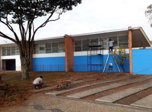 Escola no Jardim Ipê ganha  paisagismo e nova pintura