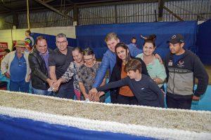 Dia do Feirante foi comemorado com bolo de seis metros