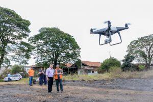 Rio Claro inicia uso de drones  com vistoria em área de incêndio