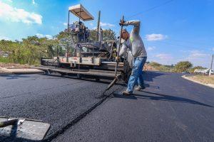 Juninho vai à Brasília em busca de recursos para asfaltar bairros