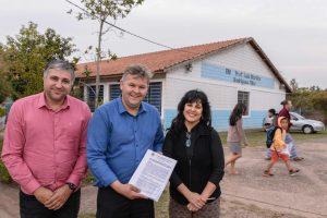 Escola terá muro reconstruído  após dez anos de espera