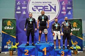Atleta rio-clarense conquista bons resultados em competições de jiu-jítsu