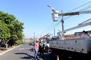 Prefeitura amplia iluminação pública no Jardim Novo