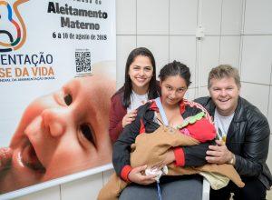 Mais de 200 mães na abertura  da semana do aleitamento materno