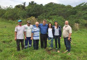 Daae faz o plantio de árvores  em nascente do Benjamin de Castro