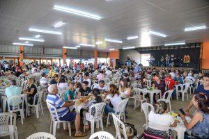 Almoço do Fundo Social reúne  mais de mil pessoas em Rio Claro
