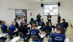 Guardas municipais recebem  orientação sobre a Lei Maria da Penha