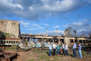 Técnicos do Dnit vistoriam  área da ferrovia em Rio Claro