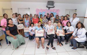 Gestantes recebem kit maternidade do Fundo Social
