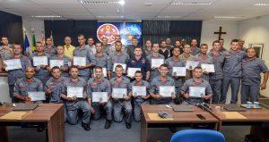 Corpo de Bombeiros de Rio  Claro forma novos mergulhadores