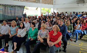 Escola Oscália comemora 30 anos com festa