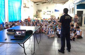 Alunos da Escola Dante Egreggio  recebem orientação contra desastres