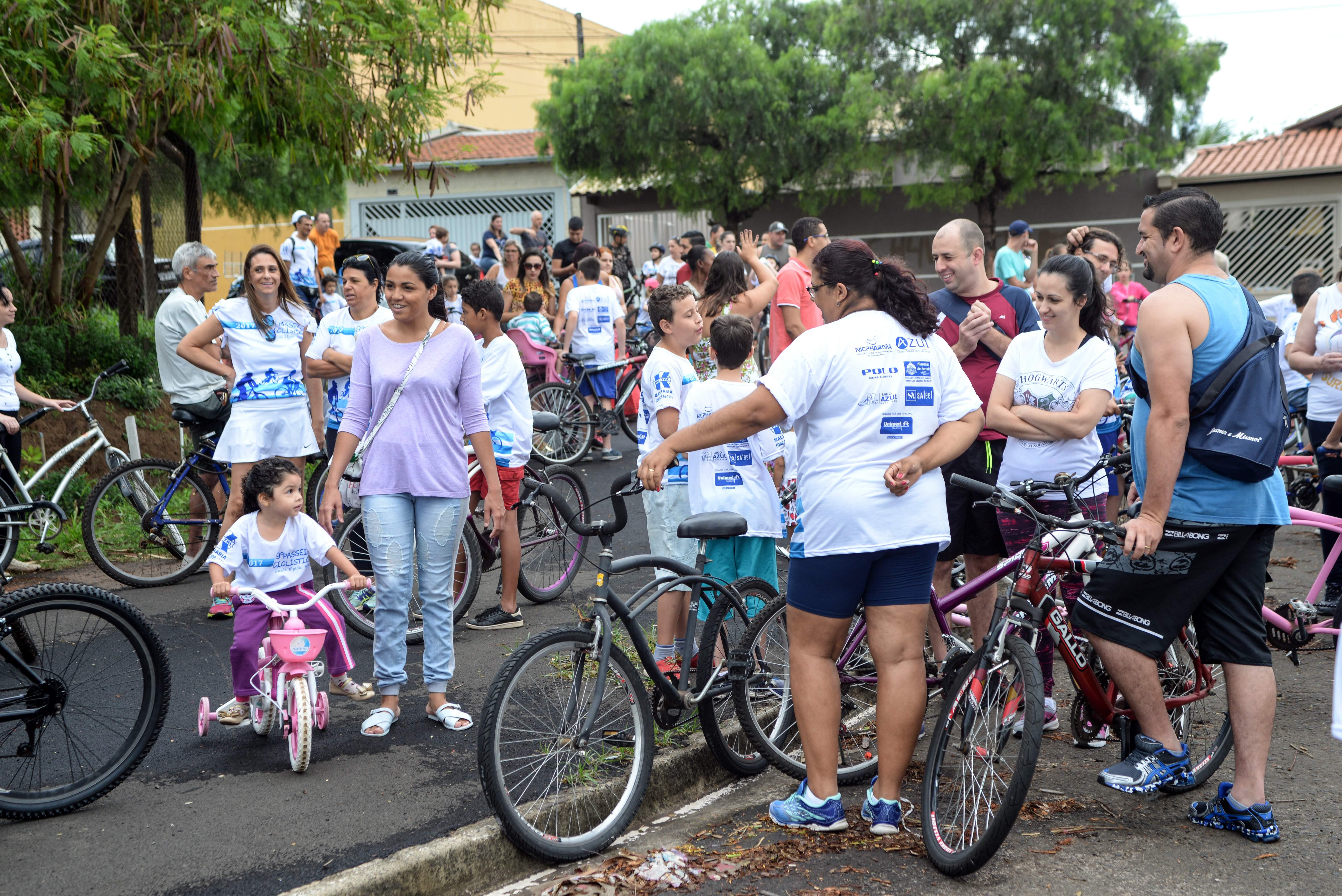 Passeio ciclístico da escola Elpídio Mina no domingo