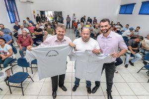 Prefeitura entrega novos  uniformes aos vigias patrimoniais