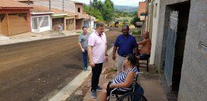 Prefeitura inicia pavimentação em  pontas de ruas no Recanto Paraíso