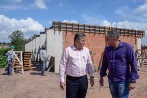 Construção de escola no  Jardim Novo atinge altura de laje