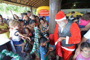 Festa de Natal domingo no Lago Azul