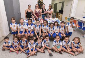 Fundo Social recebe 220 litros de  leite arrecadados pela escola Elpídio Mina