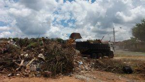 Prefeitura recolhe 120 toneladas de  materiais jogados ao lado de ecoponto