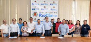 Prefeitura assina convênio para investimento de R$ 675 mil em recapeamento asfáltico