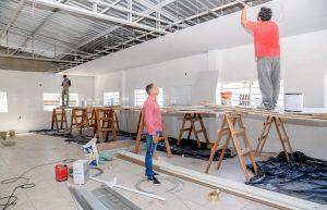 Prefeitura demole antiga cozinha e finaliza  novo refeitório na Escola João Rehder